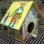 กล่องทิชชูไม้ทรงบ้านนก สำหรับทิชชูม้วน ลายครอบครัวกระต่าย พ่อ แม่ thumbnail 1