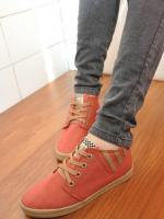 รองเท้าผ้าใบผู้หญิงแนวๆ