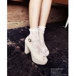 ถุงเท้าลูกไม้สีขาว