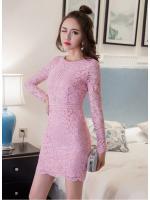 ชุดเดรสสวยๆ ผ้าลูกไม้เนื้อดีนิ่มมากๆ สีชมพู แขนยาว ทรงตรง