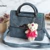 พร้อมส่ง KB-833 สีน้ำเงิน กระเป๋าแฟชั่นเกาหลีแต่งลายเย็บ พร้อมน้องหมี Princess bear