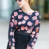 เสื้อผ้าแฟชั่น สุด Chic เสื้อแฟชั่นแขนยาว ผ้าเกาหลี ลายดอกกุหลาบ รหัส 9008_3