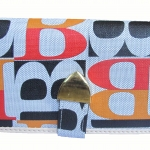 กระเป๋าสตางค์แฟชั่น ดีไซน์ ทันสมัย สุดคุ้ม มีใส่บัตรเครดิตหรือบัตรต่างๆ หลายช่อง