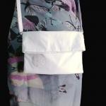 กระเป๋าสะพาย ปากพับ สีขาว