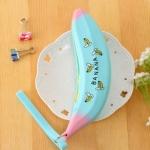 กระเป๋าดินสอซิลิโคนกล้วยสีฟ้าพิมพ์ลาย (ขายปลีก 59 บาท/ชิ้น)