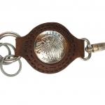 พวกกุญแจหนังวัวแท้ตรงกลางมีกระดุมทำจาก นิคเกิล ปั้มหัวอินเดียแดง 2013 (สีน้ำตาล)