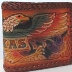 กระเป๋าสตางค์ หนังแท้ แบบ 2 พับ ขอบถักด้วยเส้นหนัง รูป อินทรี TEXAS & FLOWER