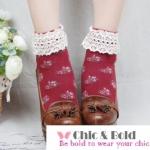[สินค้าขายดี ลดพิเศษ 40 บาท ] ถุงเท้าสไตล์วินเทจลายดอกไม้ เหลือ สีเทาดำ