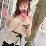 เสื้อเกาะอก แฟชั่นเกาหลี ผ้าชีฟองอัดพลีตเล็กๆ สีครีม