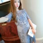 ชุดเดรส ผ้ามุ้งเนื้อละเอียดสีเทา ปักด้วยด้ายลายตามแบบ แขนยาว 3 ส่วน