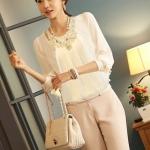 เสื้อทำงาน แฟชั่นเกาหลี เสื้อแขนยาว ผ้าชีฟอง ปักดิ้นที่คอ สวมใส่สบาย สีขาว สวยมากๆ (พร้อมส่ง)