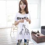 เสื้อยืดแฟชั่น ตัวยาว ลาย Giraffe สีขาว (Size M อก 34)