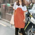 เสื้อยืดแฟชั่นตัวยาว ลายสองสี สี ขาว- ส้ม