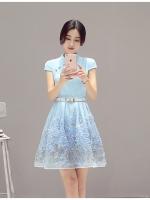 ชุดเดรสชีฟอง ผ้าเนื้อดี สีฟ้า คอจีน มาพร้อมเข็มขัดสีขาว