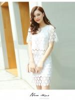 แฟชั่นเกาหลี set เสื้อ และกระโปรง ผ้าถักโครเชต์ลายดอกไม้ สีขาว