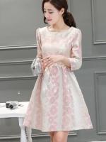 ชุดเดรสออกงาน ผ้าไหมเกาหลีเนื้อพื้นสีครีม