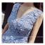 ชุดเดรสสวยๆ ผ้าถักลายดอกไม้ สีฟ้า แขนกุด คอวี เข้ารูปช่วงเอว กระโปรงทรงเอ thumbnail 6