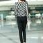 เสื้อทำงาน เสื้อแฟชั่นเกาหลี เสื้อเกาหลี เสื้อแขนยาว ผ้าชีฟอง ลายเฉียงสีขาวสลับดำ คอวี สวยมากๆ (พร้อมส่ง) thumbnail 5