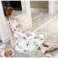 ชุดเดรสผ้าซาติน เนื้อนิ่ม เงาสวย แขนกุด พื้นสีขาว พิมพ์ลายดอกไม้โทนสีขาวเทา เดรสเข้ารูปช่วงเอว thumbnail 8