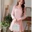 ชุดเดรสออกงาน ผ้าชีฟอง ชนิดหนา สีชมพูโอรส แขนยาว หน้าอกชุด แต่งด้วยผ้าถักรูปดอกไม้ thumbnail 8