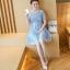 ชุดเดรสลูกไม้ ผ้าเนื้อดี สีฟ้า คอเสื้อดีไซน์เก๋ แต่งด้วยผ้าแยกออกมา และมีมุกสีขาว ที่คอเสื้อ thumbnail 6