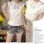 เสื้อผ้าผูกไม้สีขาว รอบคอเสื้อแต่งด้วยผ้าถักโครเชต์ หน้าอกเย็บซ้อนด้วยผ้าลูกไม้อีกลายนึง 2 ชั้น thumbnail 5