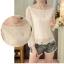 เสื้อผ้าลูกไม้ สีขาว แขนยาว คอเสื้อแต่งด้วยผ้าถักโครเชต์ลายตามแบบ ชายปล่อย thumbnail 4