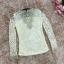 เสื้อผ้าลูกไม้ สีครีม แขนยาว หน้าอกเสื้อแต่งด้วยผ้าลูกไม้สีเหลือบทอง thumbnail 8