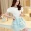 ชุดเดรสเกาหลี ตัวเสื้อผ้าชีฟองชนิดหนา สีขาว เปิดไหล่ thumbnail 1