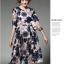 ชุดเดรสสวยๆ ผ้าปักริบบิ้นเป็นรูปดอกไม้ โทนสีน้ำเงิน และสีชมพูกะปิ thumbnail 4