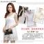 ชุดเดรสออกงาน ผ้าคอตตอนผสม สีขาว แขนกุด คอเสื้อแต่งด้วยเหลือบดิ้น และมุก สวยหรูมาก thumbnail 6