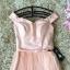 ชุดราตรีสั้นสุดหรู ตัวชุดเป็นผ้าลูกไม้ลายเส้นสีชมพูโอรส ดีไซน์เปิดไหล่ ปิดต้นแขน thumbnail 6