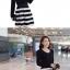 ชุดเดรสสั้น Brand Yi Feng ชุดเดรสแขนยาว ตัวเสื้อผ้าคอตตอนผสมเนื้อดี สีดำ ยืดหยุ่นได้ดี เอวจั๊ม กระโปรงลายขวางขาวดำ สวยมากๆครับ (พร้อมส่ง) thumbnail 5