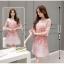 ชุดเดรสผ้าไหมแก้ว organza สีชมพู ลายกลีบดอกกุหลาบ สีชมพูแดง thumbnail 6