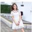 ชุดเดรสน่ารัก ตัวเสื้อผ้าลูกไม้ สีขาว คอปก ปลายแขนเสื้อ เย็บตัดด้วยผ้าลายตารางสีขาว thumbnail 6