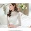เสื้อผ้าลูกไม้ สีขาว แขนยาว สวยมากๆ ช่วงไหล่เป็นผ้ามุ้งซีทรู thumbnail 4