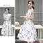 ชุดเดรสยาว ผ้าคอตตอนทอเนื้อละเอียด พื้นสีขาว ลายดอกไม้ โทนสีเทา thumbnail 2