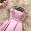 ชุดราตรีสั้น ใส่ออกงานสุดหรู ตัวชุดเป็นผ้าไหมสีชมพูเข้ม ดีไซน์คอกลม thumbnail 6
