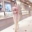 ชุดเดรสยาว แขนกุด ตัวชุดเป็นผ้ามุ้งสีครีม ปักลายดอกไม้โทนสีแดง thumbnail 3