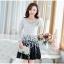 ชุดเดรสเกาหลีออกงาน ตัวเสื้อผ้าถักสีขาว แขนยาว กระโปรงผ้าชีฟองสีดำ พร้อมสร้อยคอ thumbnail 1