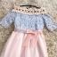 ชุดเดรสออกงาน ตัวเสื้อผ้าลูกไม้ลายดอกไม้สีชมพู ซับในด้วยผ้าสีฟ้า ไหล่ป้าน thumbnail 8