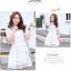 ชุดเดรสน่ารัก ตัวเสื้อผ้าลูกไม้ สีขาว คอปก ปลายแขนเสื้อ เย็บตัดด้วยผ้าลายตารางสีขาว thumbnail 4