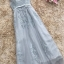 ชุดราตรียาว ออกงานสุดหรูสวยสุดๆ ตัวเสื้อเป็นผ้ามุ้งปักลายดอกไม้สีเทา thumbnail 8
