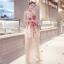 ชุดเดรสยาว แขนกุด ตัวชุดเป็นผ้ามุ้งสีครีม ปักลายดอกไม้โทนสีแดง thumbnail 2