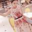 ชุดเดรสยาว แขนกุด ตัวชุดเป็นผ้ามุ้งสีครีม ปักลายดอกไม้โทนสีแดง thumbnail 7