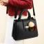 Pre-order กระเป๋าผู้หญิงถือและสะพายข้าง เรียบหรู 3 ช่องเก็บของรหัส KO-854 สีดำ *แถมปอม3สี thumbnail 1
