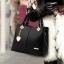 Pre-order ขายส่งกระเป๋าผู้หญิงถือและสะพายข้าง แต่งจี้ห้อยหัวใจแฟชั่นสไตล์ยุโรป รหัส Yi-5208 สีดำ thumbnail 1