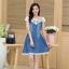 ชุดเดรสยีนส์ สีเข้ม คอเสื้อแต่งด้วยผ้าถักลายดอกไม้ สีขาว thumbnail 4