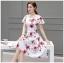 ชุดเดรสสั้น ผ้าซาติน พื้นสีขาว พิมพ์ลายดอกกุหลาบสีแดง แต่งสายเดี่ยวเปิดไหล่ thumbnail 7