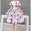 ชุดเดรสสั้น ผ้าซาติน พื้นสีขาว พิมพ์ลายดอกกุหลาบสีแดง แต่งสายเดี่ยวเปิดไหล่ thumbnail 1